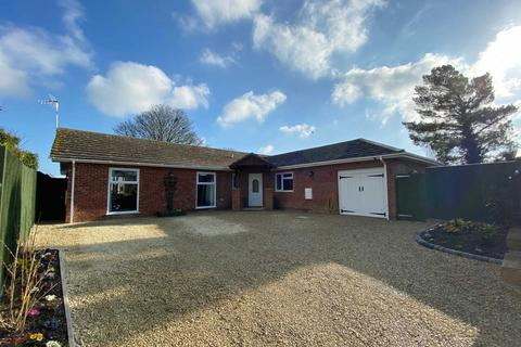 4 bedroom detached bungalow for sale - New Road, East Hagbourne