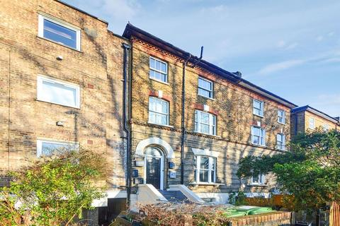 2 bedroom flat for sale - Wynell Road, Forest Hill SE23