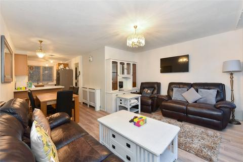 2 bedroom flat to rent - Chesterton Square, London