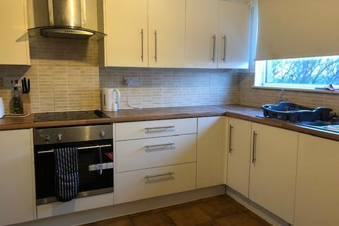 1 bedroom in a house share to rent - Fallowfield Grove, Warrington, Cheshire, WA2