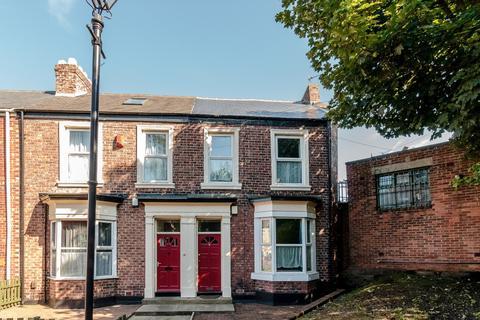 5 bedroom terraced house to rent -  The Brae,  Sunderland, SR2