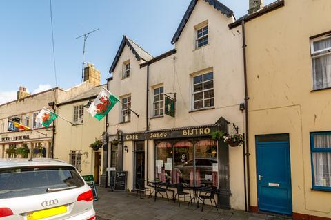 Restaurant for sale - Hole In The Wall Street, Caernarfon, Gwynedd, LL55