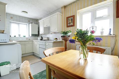 2 bedroom maisonette for sale - Westhorne Avenue, London, SE9