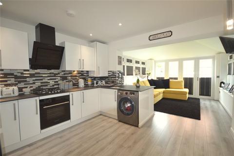 3 bedroom terraced house for sale - Cysgod Y Castell, Llandudno Junction, Conwy, LL31
