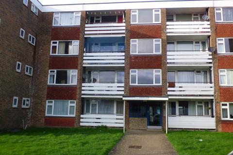 2 bedroom flat to rent - Midhurst Road, Eastboure BN22