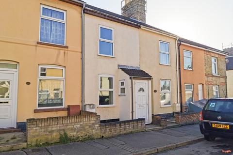 3 bedroom terraced house to rent - Cambridge Road, Lowestoft
