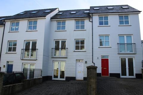 4 bedroom townhouse - Kensington Gardens, Haverfordwest