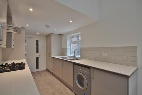 5 bedroom terraced house to rent - Cowley Road, Oxford, OX4 1XA