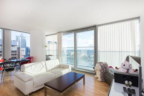 2 bedroom apartment to rent - Landmark East Tower, South Quay, E14