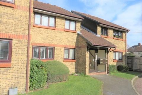 2 bedroom flat for sale - Haydon Close, Enfield, EN1