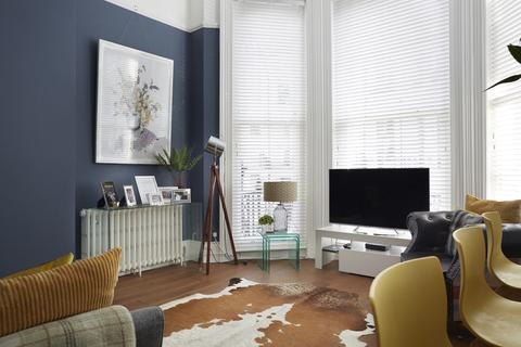 1 bedroom flat for sale - St. Michaels Place, Brighton, BN1