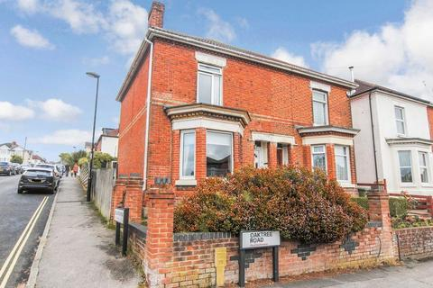3 bedroom semi-detached house for sale - Oaktree Road, Bitterne Park