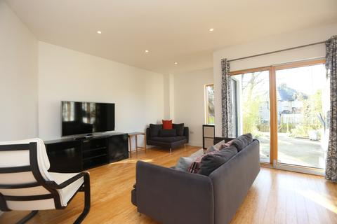 3 bedroom terraced house to rent - Cumberland Terrace, Hove