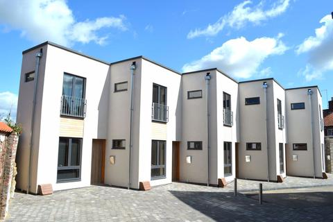 2 bedroom townhouse to rent - Rasons Court Mews, Boston