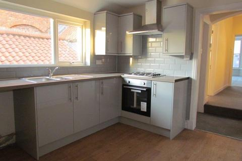 3 bedroom flat to rent - Market Place, Pickering