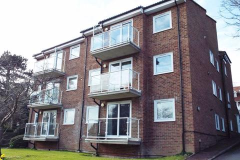 2 bedroom flat to rent - Carlisle Road, Meads