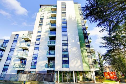 3 bedroom penthouse for sale - Roden Court, Highgate, London