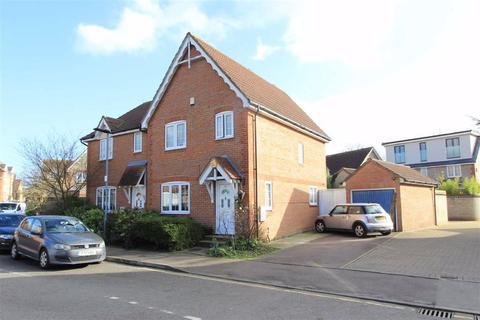 3 bedroom house for sale - Heathfield Park Drive, Chadwell Heath, Essex, RM6