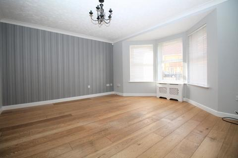 3 bedroom house to rent - Campion Close, Rush Green, Romford, RM7