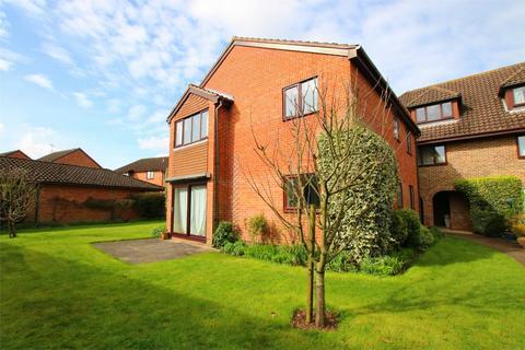 2 bedroom flat to rent - Wiltshire Drive, WOKINGHAM, Berkshire