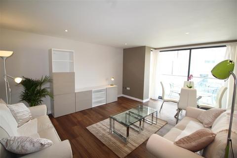 2 bedroom apartment to rent - Neptune Marina, IP3