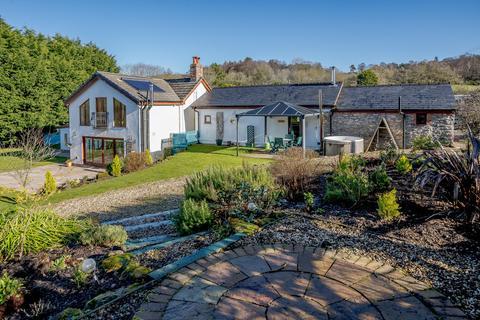 6 bedroom equestrian property for sale - Glan Llyn Farmhouse, Pant Du Road, Mold, CH7 4DD