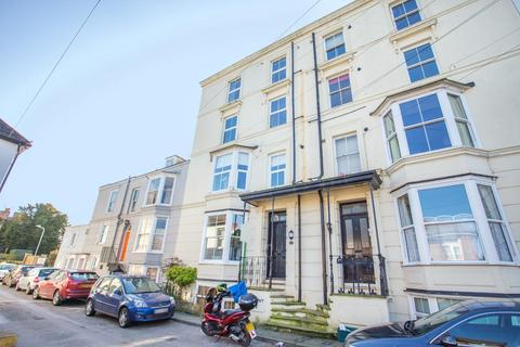 1 bedroom flat for sale - 8 Walmer Castle Road, Walmer, Deal