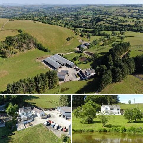 8 bedroom property with land for sale - Ffarmers, Near Lampeter