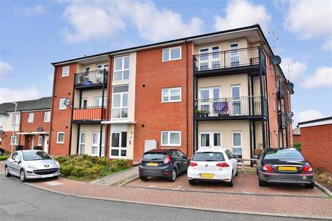 2 bedroom ground floor flat for sale - Waltham Place, Ashford, Kent