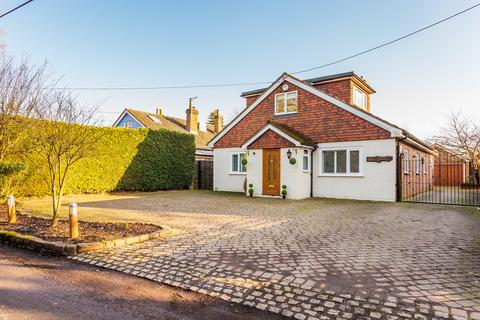 4 bedroom detached house for sale - How Green Lane, Hever, TN8