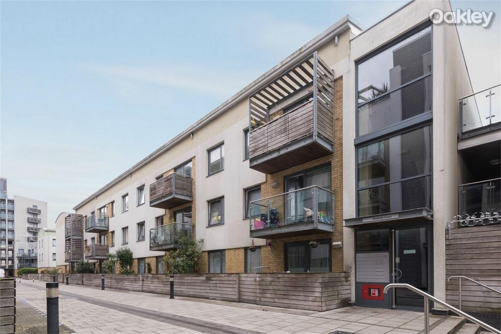 2 Bedrooms Flat for sale in Sheffield Court, Kingscote Way, Central Brighton, East Sussex