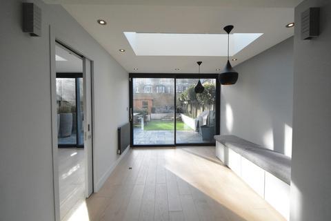 2 bedroom apartment to rent - Elsham Road, London, W14