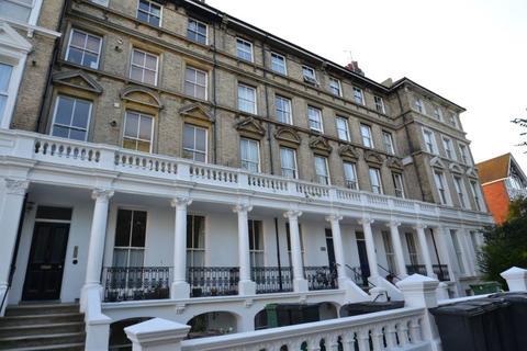 2 bedroom flat for sale - St Annes Road, Eastbourne BN21