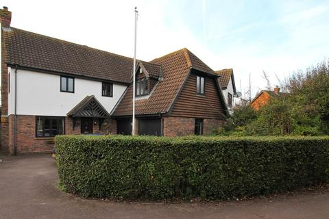 4 bedroom detached house for sale - Beauchamps Close, Chelmsford, Essex, CM1