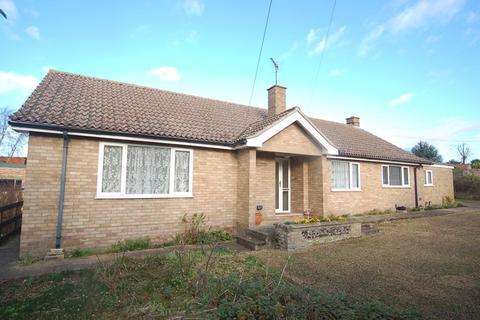 3 bedroom bungalow to rent - Crossways, Back Street, Lakenheath, Brandon, IP27