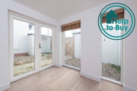 2 bedroom terraced house for sale - Dorset Gardens, Brighton, East Sussex, BN2