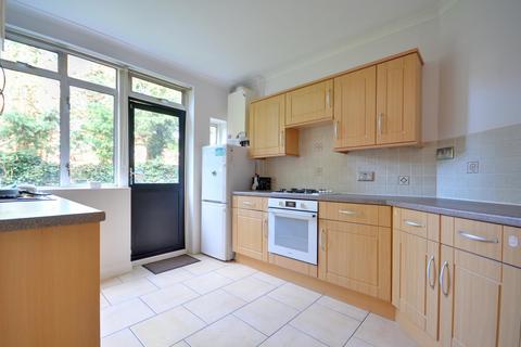 2 bedroom flat to rent - Ruislip Court, Raleigh Close, Ruislip  HA4 6JP