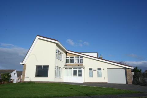 3 bedroom detached house for sale - Hydref, Corbett Avenue, Tywyn, Gwynedd LL36