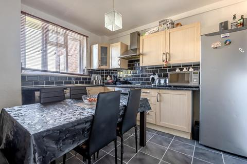 2 bedroom flat for sale - Monument Gardens, Hither Green