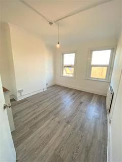 5 bedroom house share to rent - Forest Road , Walthamstow E17