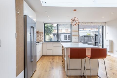 4 bedroom house to rent - Brockley Hall Road London SE4