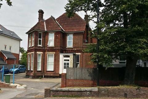 Studio to rent - Cobden Avenue, Bitterne Park, Southampton, SO18