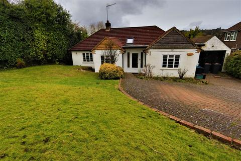 3 bedroom detached bungalow for sale - Woodplace Lane, Coulsdon