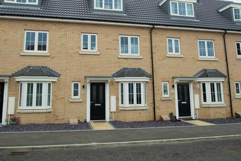 4 bedroom townhouse to rent - Osprey Drive, Stowmarket