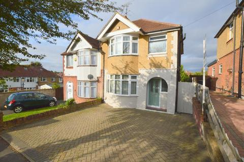 3 bedroom semi-detached house to rent - Somerset Avenue, Luton, LU2 0PL