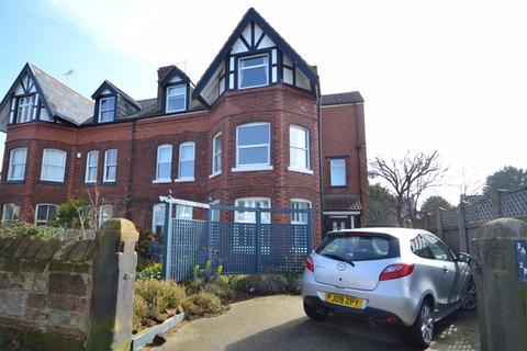 2 bedroom apartment for sale - Warren Road, Hoylake