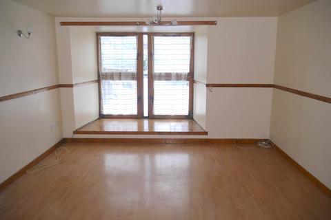 2 bedroom flat to rent - Caledonian Court, Eastwell Road, Lochee