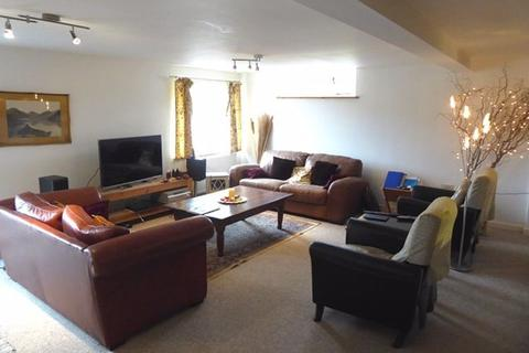 4 bedroom barn conversion to rent - Hoot House, Holbeck Park Avenue, Barrow-In-Furness
