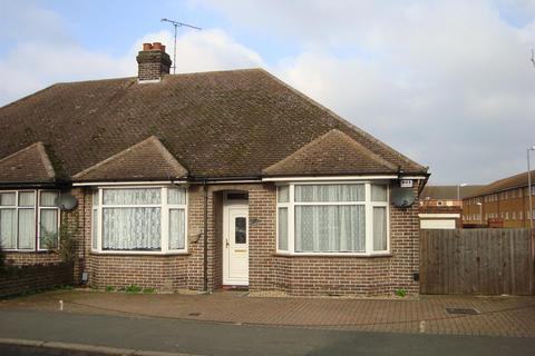 Semi detached bungalow to rent - Calnwood Road, Luton