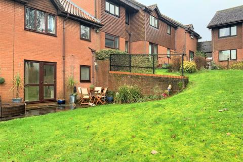 2 bedroom apartment for sale - Lampool House, Station Road, Basingstoke, RG25